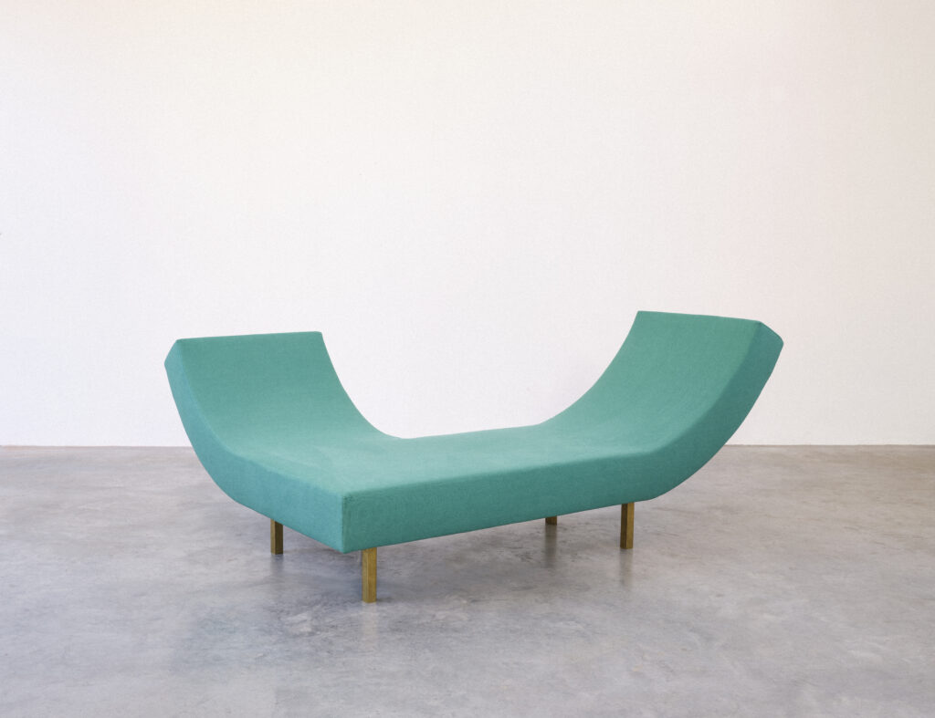 200210 MULLERVANSEVEREN SOFA 9063 - start to collect - art design